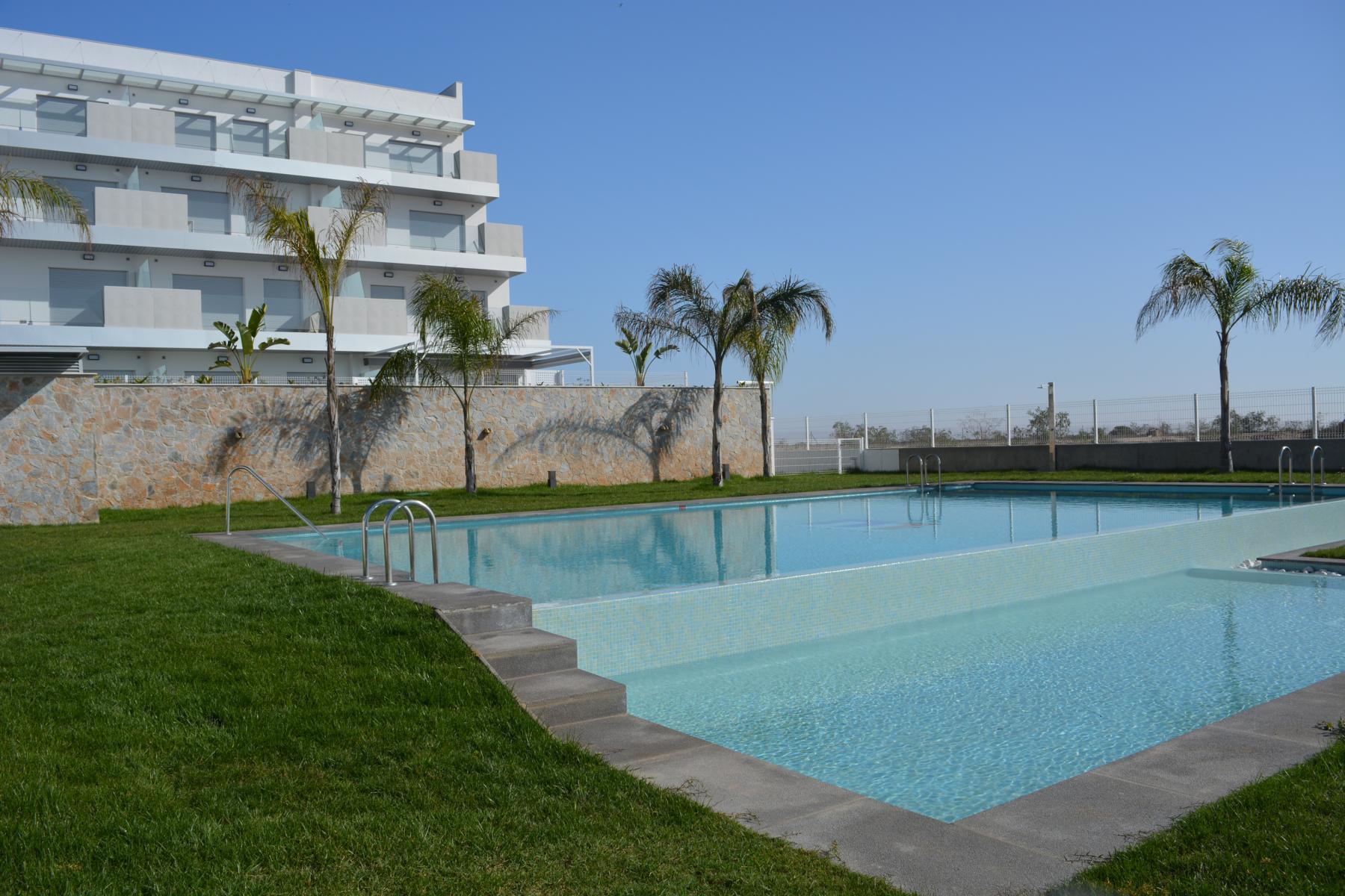 pool-14m-x-8-m